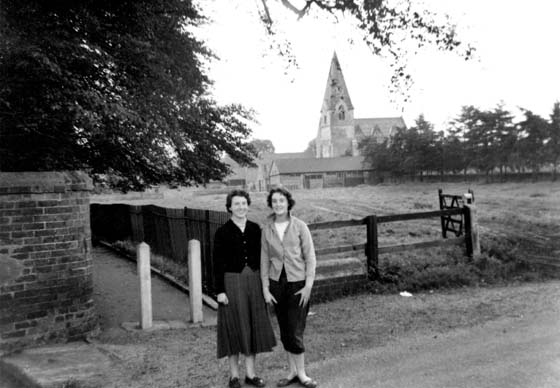 Doreen and Nancy Hopkinson