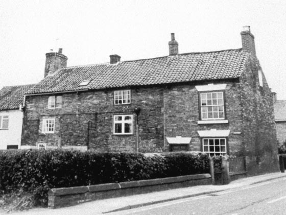Cottages on Mansfield Road